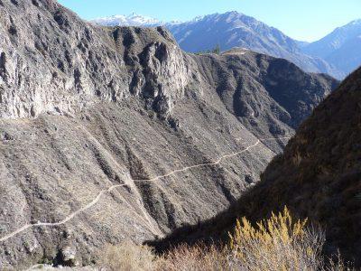 Schotterpiste in den Anden